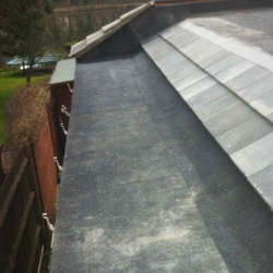 Roof Tile On to FeltRT